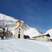 D_RS88672_0602-fane-alm-vals-winter-kapelle-kirche.JPG